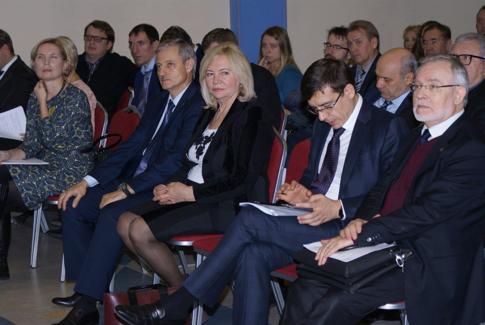 Министр РФ Михаил Абызов посетил университет «МИР»
