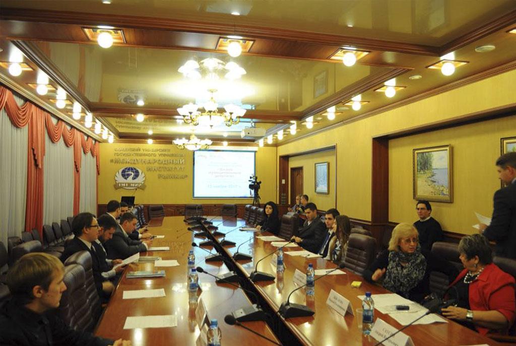 Отобраны лучшие законотворческие инициативы «Школы муниципального депутата»