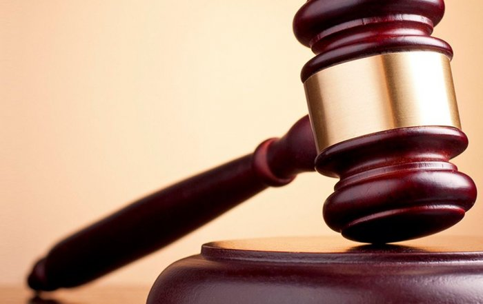 Практикующие юристы