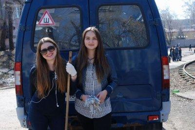 Студенты Университета «МИР» приняли участие в субботнике