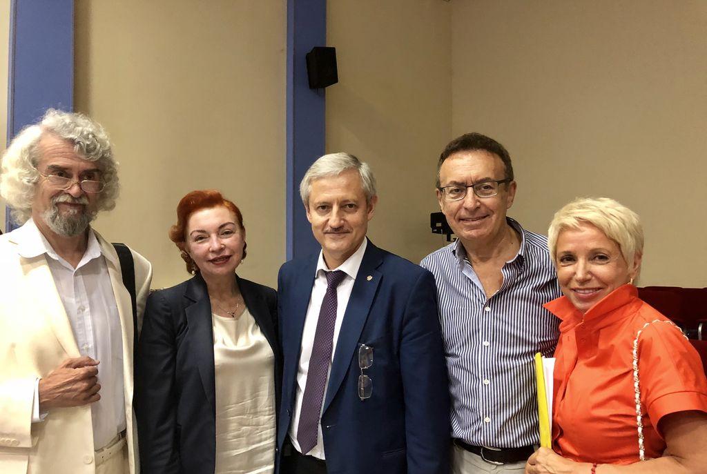 Кандидат на должность губернатора Самарской области Д.И. Азаров встретился с представителями с представителями гражданского актива (группой поддержки) в Университете МИР