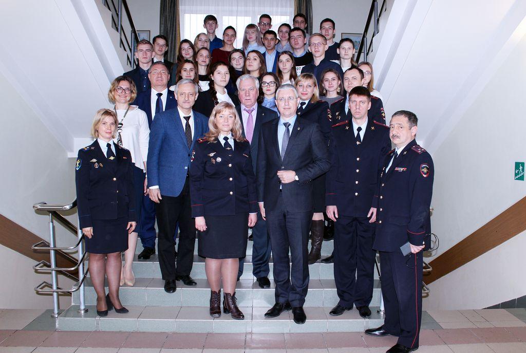 Круглый стол Общественного совета ГУ МВД по Самарской области