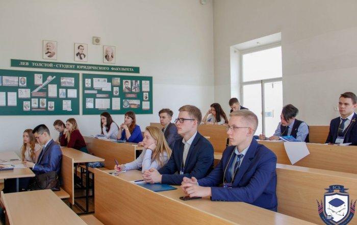 Команда Университета «МИР» - полуфиналист «Всероссийских судебных дебатов-2019»