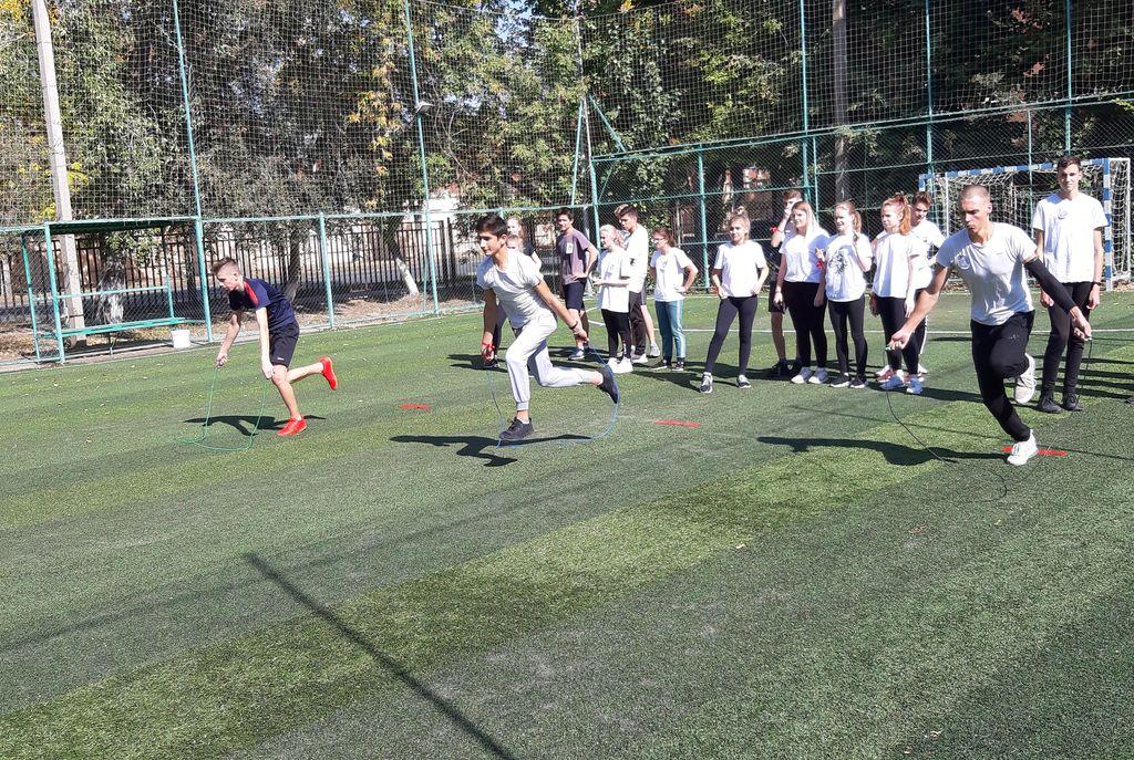 Спортивная эстафета «Студенческие гонки»