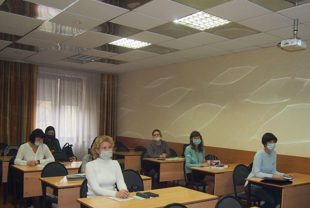 Организация кадровой работы и регулирование трудовых и служебных отношений на муниципальной службе